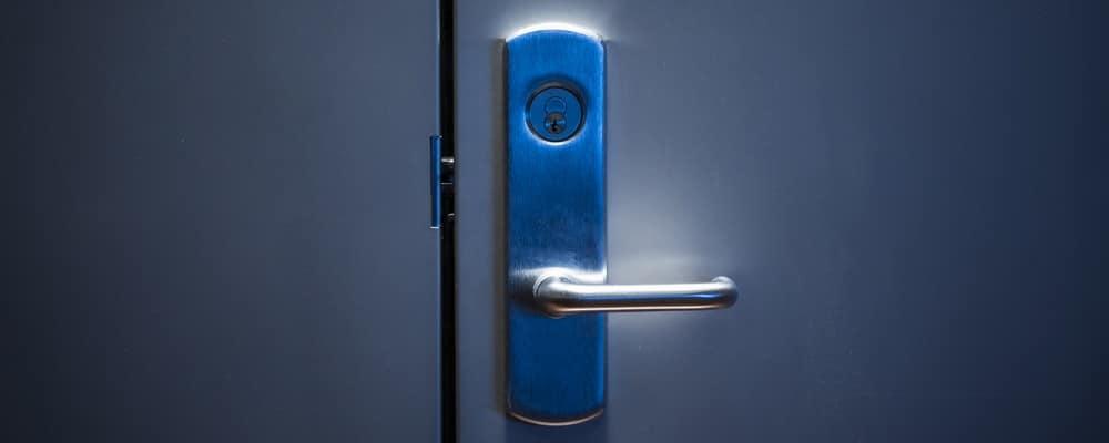 металлические двери из металла
