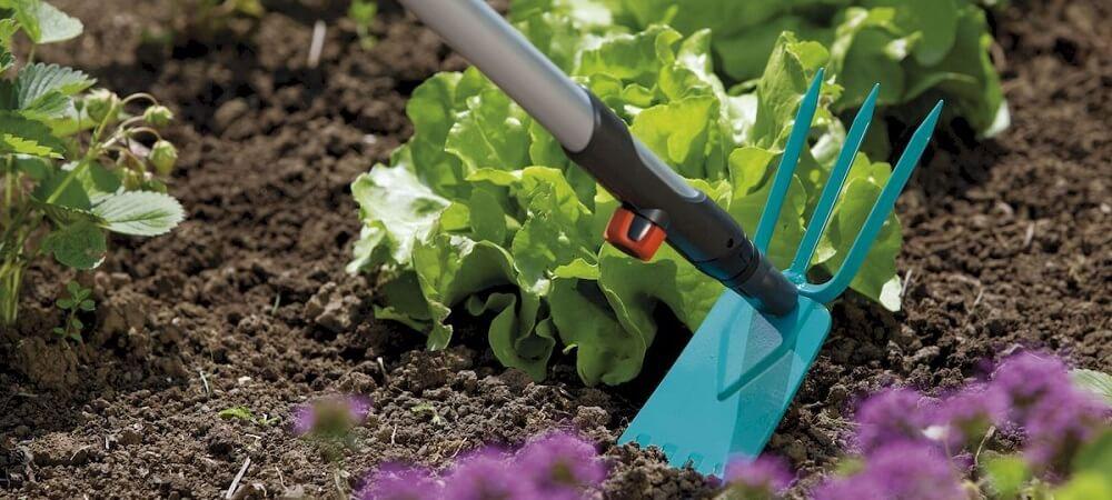 удобная тяпка для садовых работ